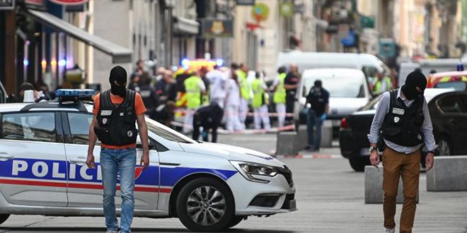 Attaque de Lyon: le suspect activement recherché