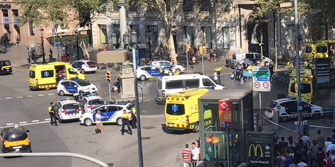 VIDEO - Attentat à la voiture-bélier dans le centre de Barcelone