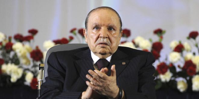 Bouteflika officiellement candidat à un 5e mandat