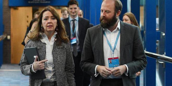 GB: démission des deux chefs de cabinet de Theresa May Politique