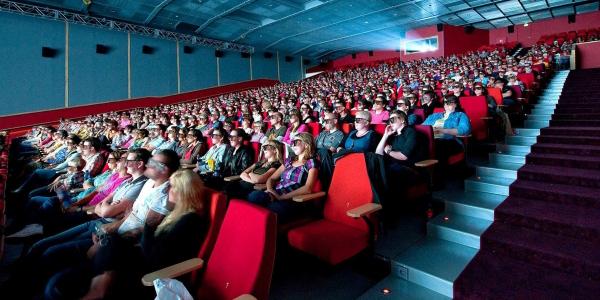 Cinéma: Les entrées en salles et les recettes remontent
