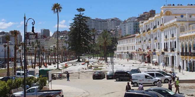 Tanger : Les travaux continuent sur la Corniche malgré le confinement