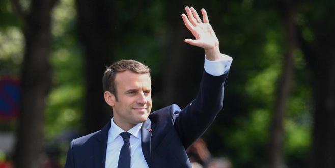 """Macron assure Trump de son """"entière"""" solidarité avec les alliés"""