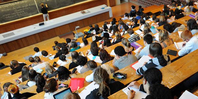 Projet de décret de versement des bourses d'études en examination