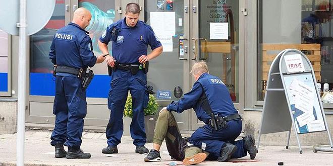 Attentat en Finlande: deux morts et huit blessés
