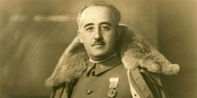 Espagne: la dépouille de Franco sort de son mausolée