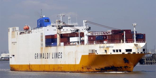 Un navire reliant Hambourg à Casablanca prend feu
