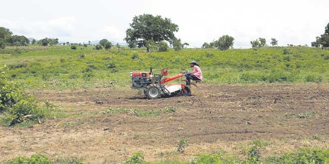 «Hello Tractor», le Airbnb des machines agricoles