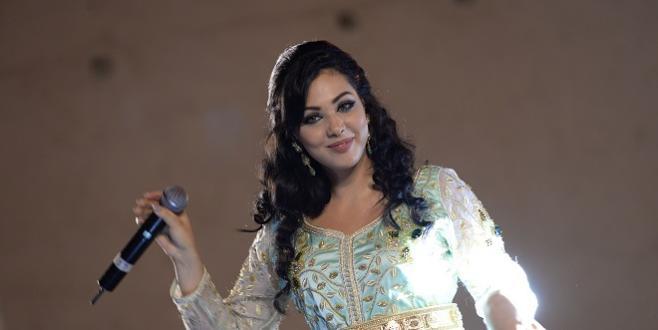 Fès : Ibtissam Tiskat déchaînée au festival amazigh
