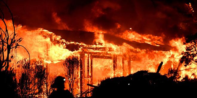 Les incendies font rage en Californie