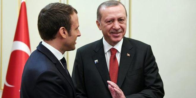 Macron souligne son attachement à une Turquie stable