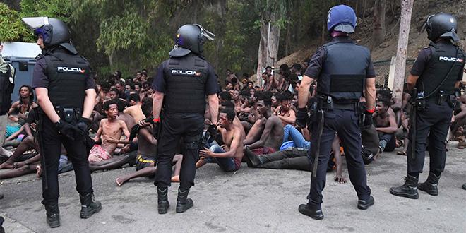 Plus de 150 migrants entrent à Sebta