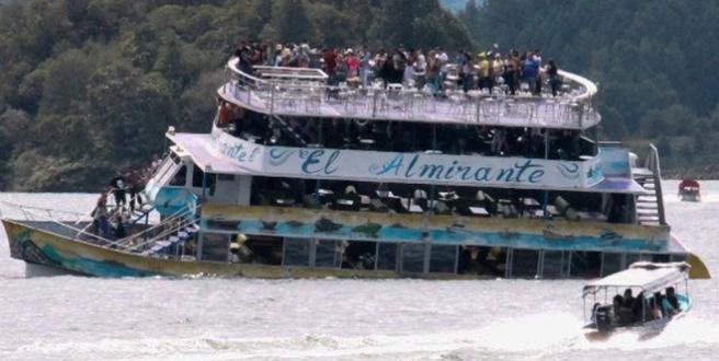 3 morts et 30 disparus après le naufrage d'un bateau — Colombie
