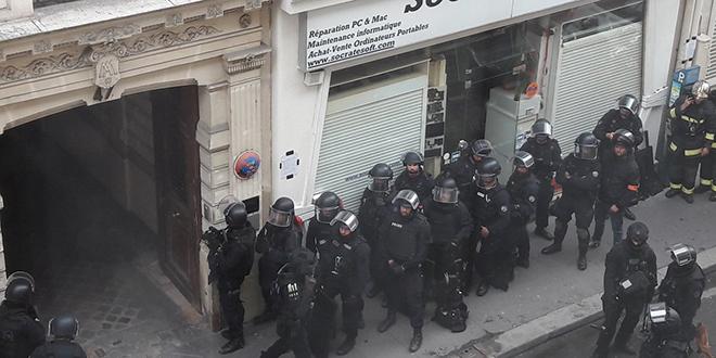"""Des otages d'un """"forcené"""" à Paris"""