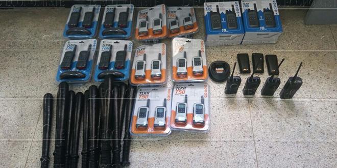 Saisie de matraques et de talkies-walkies à Fès