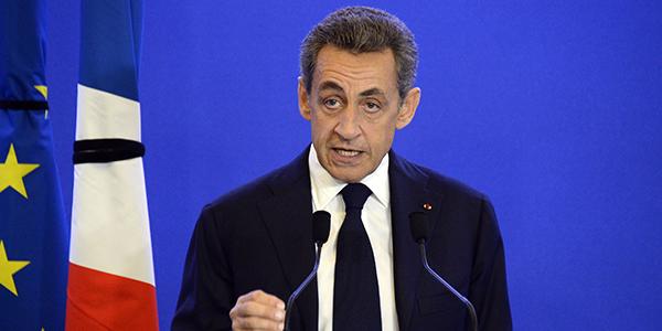 """Sarkozy sort """"un livre personnel"""" intitulé Passions"""
