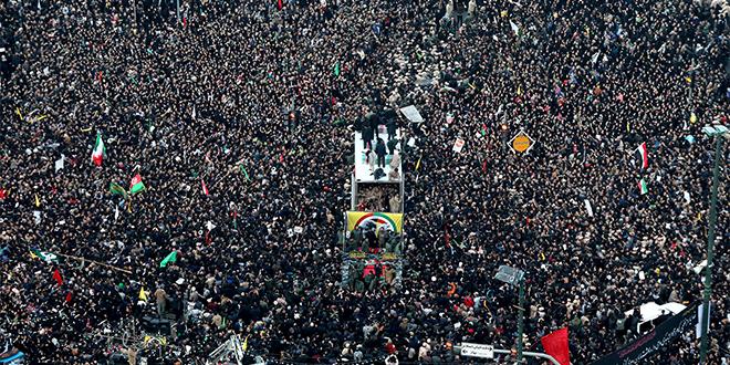 Iran: Plusieurs morts lors des obsèques de Soleimani