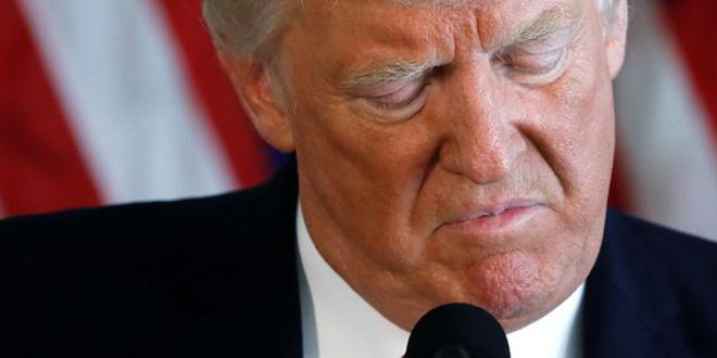 Trump signe un décret limitant les protections juridiques des RS