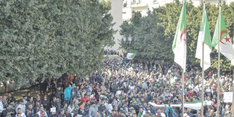 La rue se lève contre Bouteflika