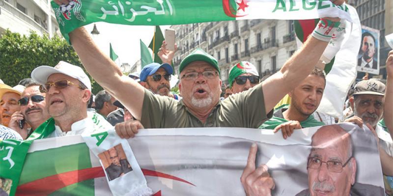 Algérie: Les manifestants refusent l'appel au dialogue du pouvoir