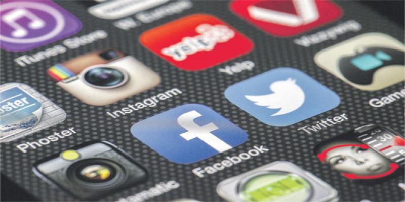 Réseaux sociaux: Londres sanctionne les «contenus dangereux»