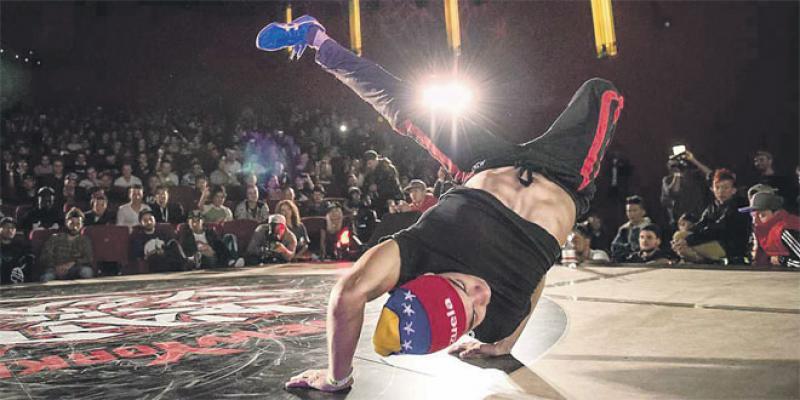 Grande «battle» entre les meilleurs danseurs de breakdance