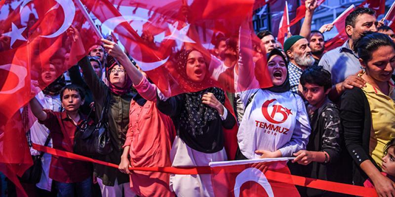 Erdogan célèbre l'an 1 du putsch raté