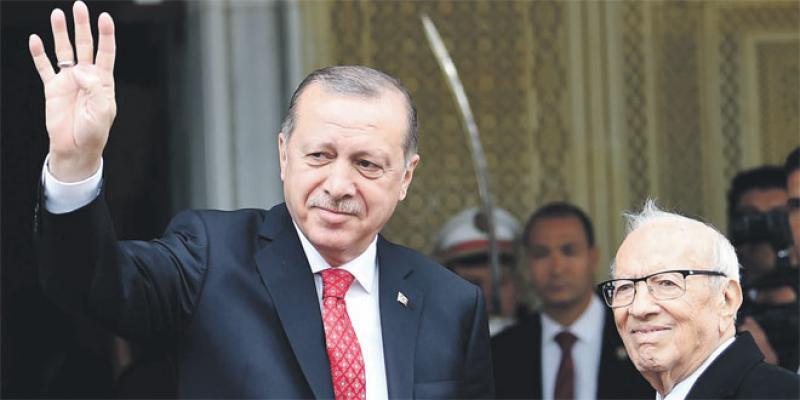 Erdogan termine sa mini-tournée africaine