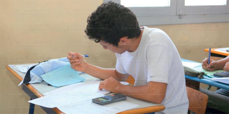 Des élèves de lycées français obligés de passer l'examen!