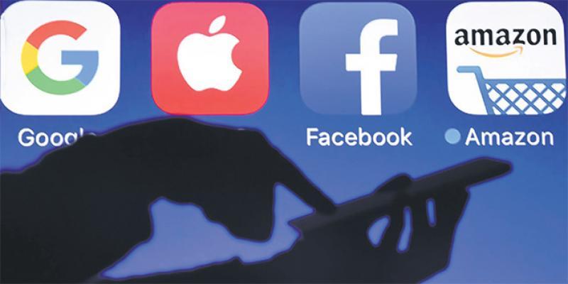 La machine Facebook sur la sellette