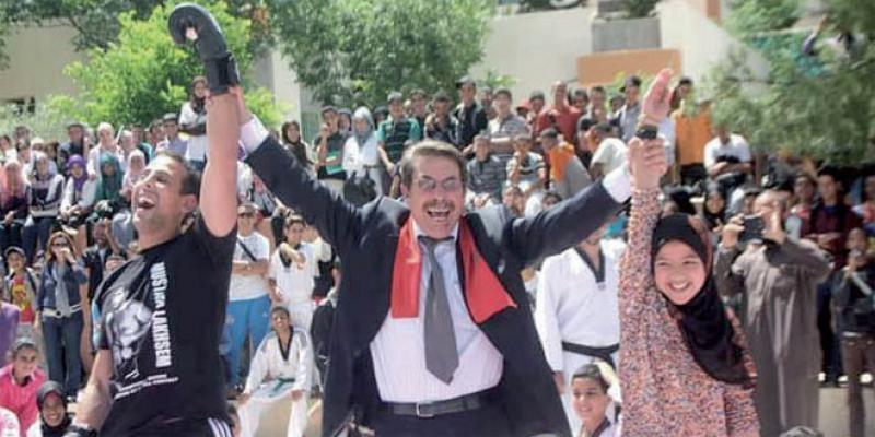 Héros de l'éducation «Papa Ayad», le retraité qui parraine les élèves démunis