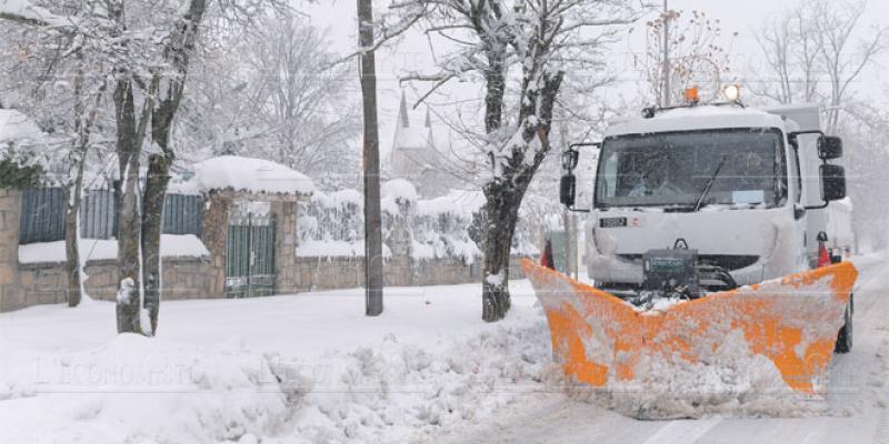 Ifrane: Les opérations de déneigement se poursuivent