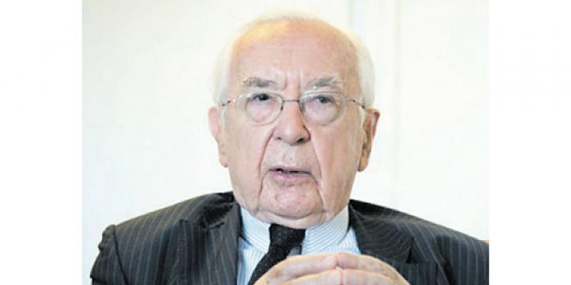 Un ex-patron du FMI charge la BCE