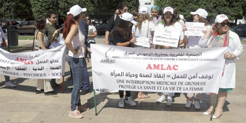«Nous sommes hors la loi»: Un manifeste qui relance le débat sur les libertés