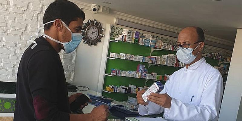 Masques de protection: Les pharmaciens saisissent El Othmani