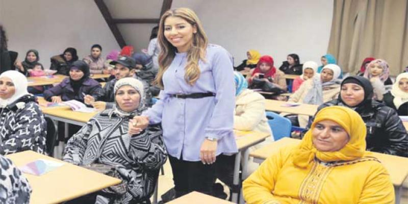 Moyen-Atlas 100 femmes rurales sur les bancs de l'école