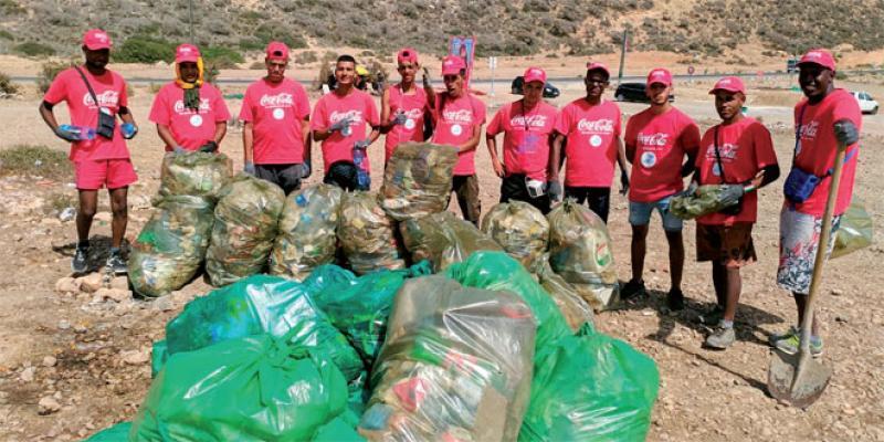 Agadir: La société civile prend en charge la propreté des plages