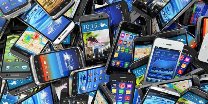 Télécoms: Les smartphones raflent la vedette