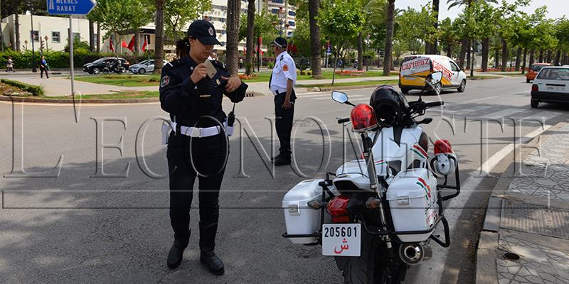 DIAPO :La nouvelle tenue estivale de la police - CP: Y.S.A