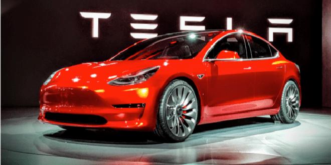 Tesla dégraisse