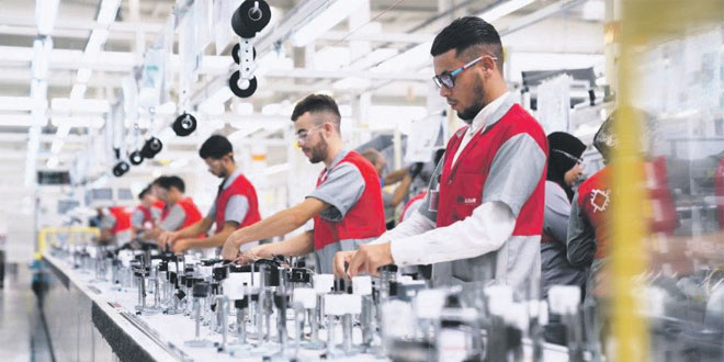 lear-corporation-usine-automobile-009.jpg