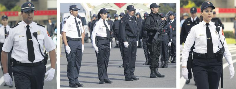 nouvel uniforme pour la police l 39 economiste. Black Bedroom Furniture Sets. Home Design Ideas