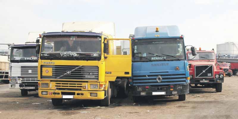 interdiction des camions de plus de 20 ans la mesure suscite la grogne des transporteurs l. Black Bedroom Furniture Sets. Home Design Ideas