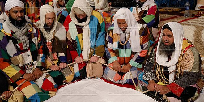 DIAPO-Zaouia Karkria: Un soufisme haut en couleurs