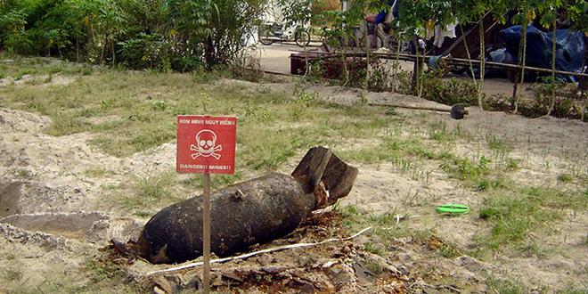 Vietnam: explosion d'une bombe américaine
